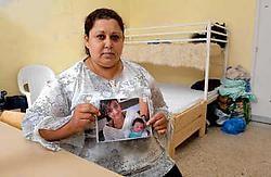 Violtsa uit Kosovo plant niets speciaals met Moederdag. 'Gewoon samen zijn met de kinderen. En ik verwacht telefoon van mijn dochters uit Duitsland.'<br>
