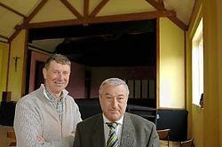 Hugo Caeldries (links) en <br>Hugo Van Rostenberghe, respectievelijk ondervoorzitter en voorzitter van de Reynaertkring. Paul De Malsche<br>