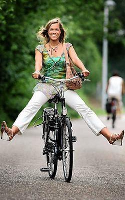 Virginie Claes houdt van de kleinschaligheid van Hasselt: ,,Met de fiets ben ik dadelijk overal.'' <br> Yorick Jansens<br>