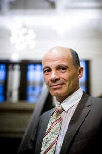 Kinderpsychiater Peter Adriaenssens: 'Vlaanderen heeft dringend nood aan objectieve cijfers over kindermishandeling. Het aantal meldingen zegt niets over de feiten.'