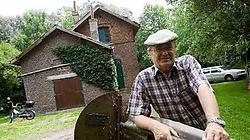 Hubert Krahy wacht met ongeduld op de renovatie van het Vissershuis van zijn club Grand Pont. Jef Collaer<br>