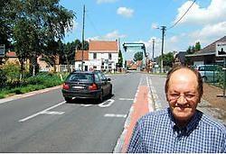 Schepen Lucien De Block wil zo snel mogelijk werk maken van de aanleg van een fietspad langs de N449.emt