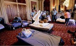 Opklapbedden werden in de nacht van dinsdag op woensdag aangesleept om vermoeide Amerikaanse senatoren door het marathondebat heen te helpen.epa<br>