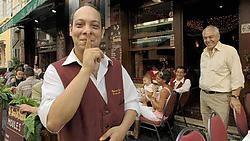 Ook de ober van La Luna Venezia mag geen klanten meer lokken.Herman Ricour