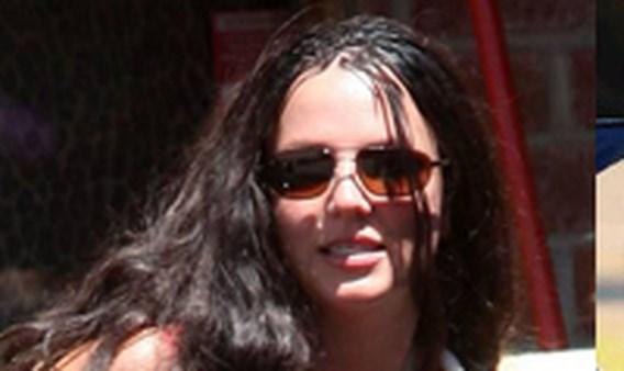 Britney viert scheiding in Disneyland