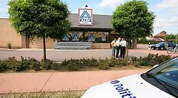 Er werd 2.000euro buitgemaakt tijdens de overval op de Aldi in Veerle-Laakdal. Louis Verbraeken<br>