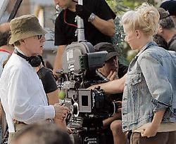 Woody Allen met Scarlett Johansson op de set in Barcelona. rtr<br>