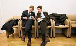 Maart 2006: met Guy Verhofstadt (l.) in de Belgische ambassade in Londen.blg<br>