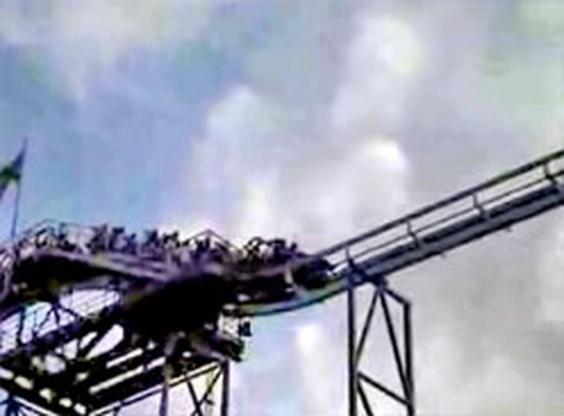 Evacuatie rollercoaster loopt op het nippertje goed af