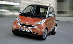 Het comfort van de Smart Fortwo gaat erop vooruit dankzij een zachtere vering en een grotere wielbasis.smart <br>