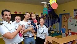 De militairen kunnen hun kindjes veilig achterlaten dicht bij hun werk.<br>Michel <br>Vanneuville<br>