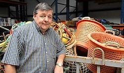 Herman Maeyaert ziet brood in de kweek van tong als alternatief voor het dure vissen op zee. Michel Vanneuville<br>