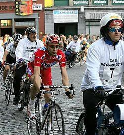Ook Frank Vandenbroucke reed mee op het Heistse dernyfestival. Eddy Van Ranst