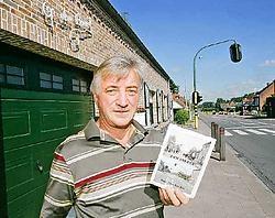 Freddy Wouters zette zijn schouders onder het project en selecteerde de teksten voor Den Bareel. Koen Merens