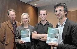 Hans Van den Ameele, Iris De Coster, Jürgen De Fruyt en Michel Goetinck schreven een boek over depressies dat bedoeld is voor huisartsen.<br>Michel Vanneuville<br>