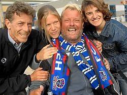 Johnny is de grootste fan van FC Dender. En de liefde is wederzijds. Carol Verstraete<br><br>