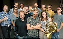 De Wonderbrass Aweful Powerband speelt zondag samen op de Oude Vismijn in Lokeren. Naar het gratis concert brengen ze de hilarische wereldvedette Staf Steegmans mee.Paul De Malsche