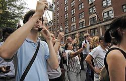 Volgens Steve Paulussen van de Universiteit Gent zullen ook de traditionele media bij rampen steeds meer een beroep doen op burgerjournalisten.AP<br>