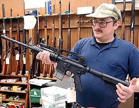 Vuurwapens massaal te koop op zoekertjessites