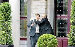 De sfeer tussen N-VA-voorzitter Bart De Wever en formateur Yves Leterme leek gisteren opperbest. Herman Ricour<br>