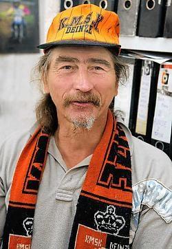 Johan Van Hoorebeke zal voortaan minder fanatiek supporteren voor SK Deinze.Frederiek Vande Velde