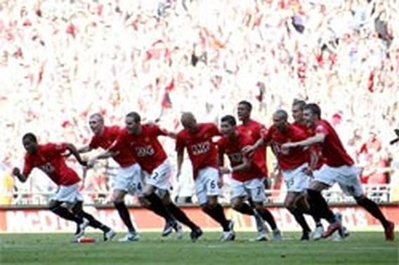 Manchester United wint Community Shield na strafschoppen