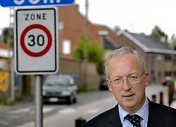 Marnic De Meulemeester, burgemeester van Oudenaarde en voorzitter van de politiezone Vlaamse Ardennen, benadrukt dat dankzij het boetegeld onder meer de schoolomgevingen verkeersveiliger kunnen worden gemaakt.David Stockman