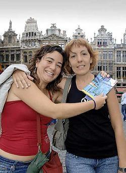 Suzanne en Sonia uit Barcelona zijn met vakantie in Brussel.