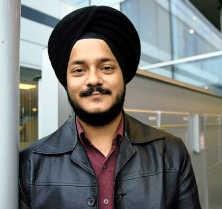 Ravijeet Dang verblijft nu in Brussel. Hij mocht bij een bezoek aan Brugge niet binnen in een horecazaak.<br>Herman Ricour<br>