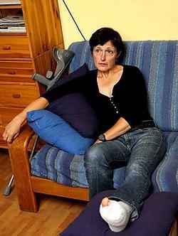 Annette Van Houtte met haar voet stevig ingepakt: 'Speleologie is mijn passie, ik ga zeker terug.'Koen Fasseur<br>