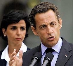 Nicolas Sarkozy manifesteerde zich de voorbije maanden als een soort diplomatieke kernproef, die in elke regio uitgetest wordt.ap<br>