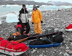 Geert en David Desmedt waagden zich voor het eerst op Groenlands ijs.<br>Repro <br>De Saedeleer