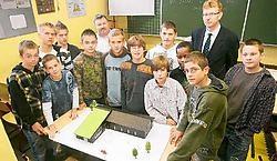 De leerlingen van de Technische School hebben zelf de maquette van de nieuwbouw gemaakt. Koen Merens<br>