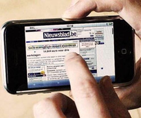 Nieuwsblad.be schenkt 'eerste drie iPhones' van Europa weg