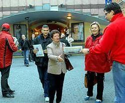 Het ABVV vroeg gisteren op de Hopmarkt aandacht voor de rechten van de uitzendkrachten. Carol Verstraete<br>