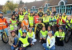 Het Jong Cycling Team Vlaanderen verkende de fietsroutes van de schoolroutekaart met de leerlingen van Jongslag. Yvan De Saedeleer
