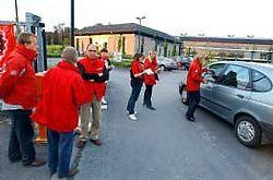 Aan het bedrijf Scientific Atlanta in de Luipaardstraat werd actie gevoerd voor de rechten van de uitzendkracht. Patrick Holderbeke<br>