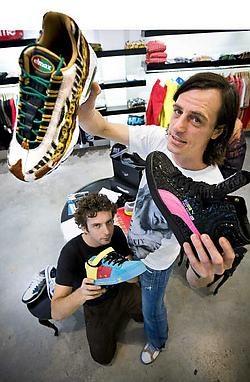 Hippe, <br>exclusieve sneakers kunnen voortaan worden <br>gekocht bij <br>Avenue. <br>Wim Kempenaers <br>