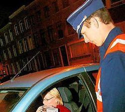 De politie controleerde onder meer aan de Wollemarkt. Io Lenaerts was verrast toen ze de politiecontrole opmerkte. Inge Van den Heuvel