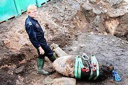 Commandant Savelkoels van Dovo: 'Eens we zicht hadden op het ontstekingsmechanisme, zagen we dat we vertrouwd waren met het type.' Vacas