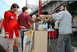 De talrijke bezoekers konden op de Micro-Markt nieuwe leuke producten ontdekken.<br>Herman Ricour<br>