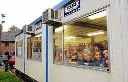 De leerlingen van de muziekacademie krijgen voorlopig les in een container. David Stockman