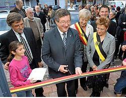 Op de foto van links naar rechts gemeentesecretaris Luc De Leersnyder, gedeputeerde Dirk Defauw, burgemeester Griet De Roo, OCMW-voorzitter Linda Wyckstandt en schepen Marc De Muynck. Frank Meurisse<br>