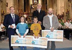 Wilge De Greef, Axel Viaene en Jos Maillard zijn de laureaten van de wedstrijd 'Van kassei naar lei'.Yvan De Saedeleer