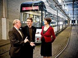 Tramlijn 6 moet de leukste van 't Stad worden, aldus minister Kathleen Van Brempt (rechts). Wim Daneels<br>