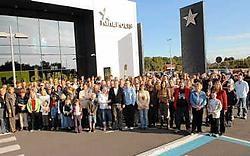 275 laatstejaars-<br>studenten en vrachtwagen-<br>chauffeurs <br>gingen in op de uitnodiging van ECS en DD Trans.<br> Michel Vanneuville