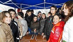 De leerlingen kregen uitleg over de gevaren van de dode hoek.<br>Isabelle Vanhassel