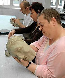 Twintig patiënten uit psychiatrische instellingen volgen kunstonderwijs aan de Academie. Gert Devocht<br>