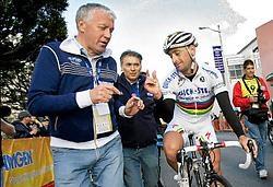 'Tom Boonen met Paolo Bettini vergelijken heeft geen zin. Ik hoop alleen dat bij de 33-jarige Boonen de zegehonger even groot is,' zegt Patrick Lefevere (l.). photo news<br>