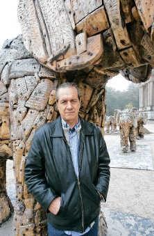 Andries Botha hoopt dat zijn kunstwerk in Tervuren kan blijven.<br>Koen Merens<br>